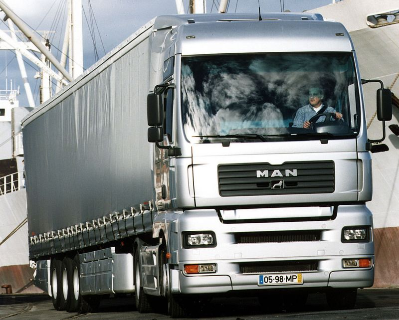 man-trucks.es@hotmail.com