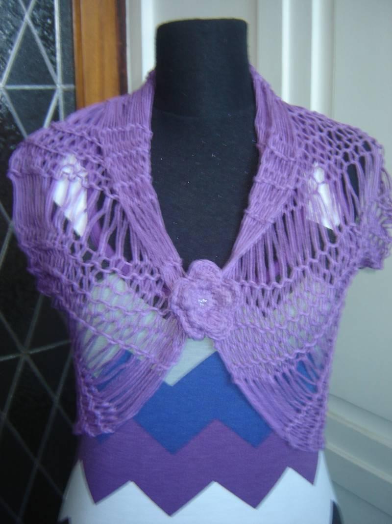 tejidos hechos a mano en crochet y dos agujas que se pueden usar en