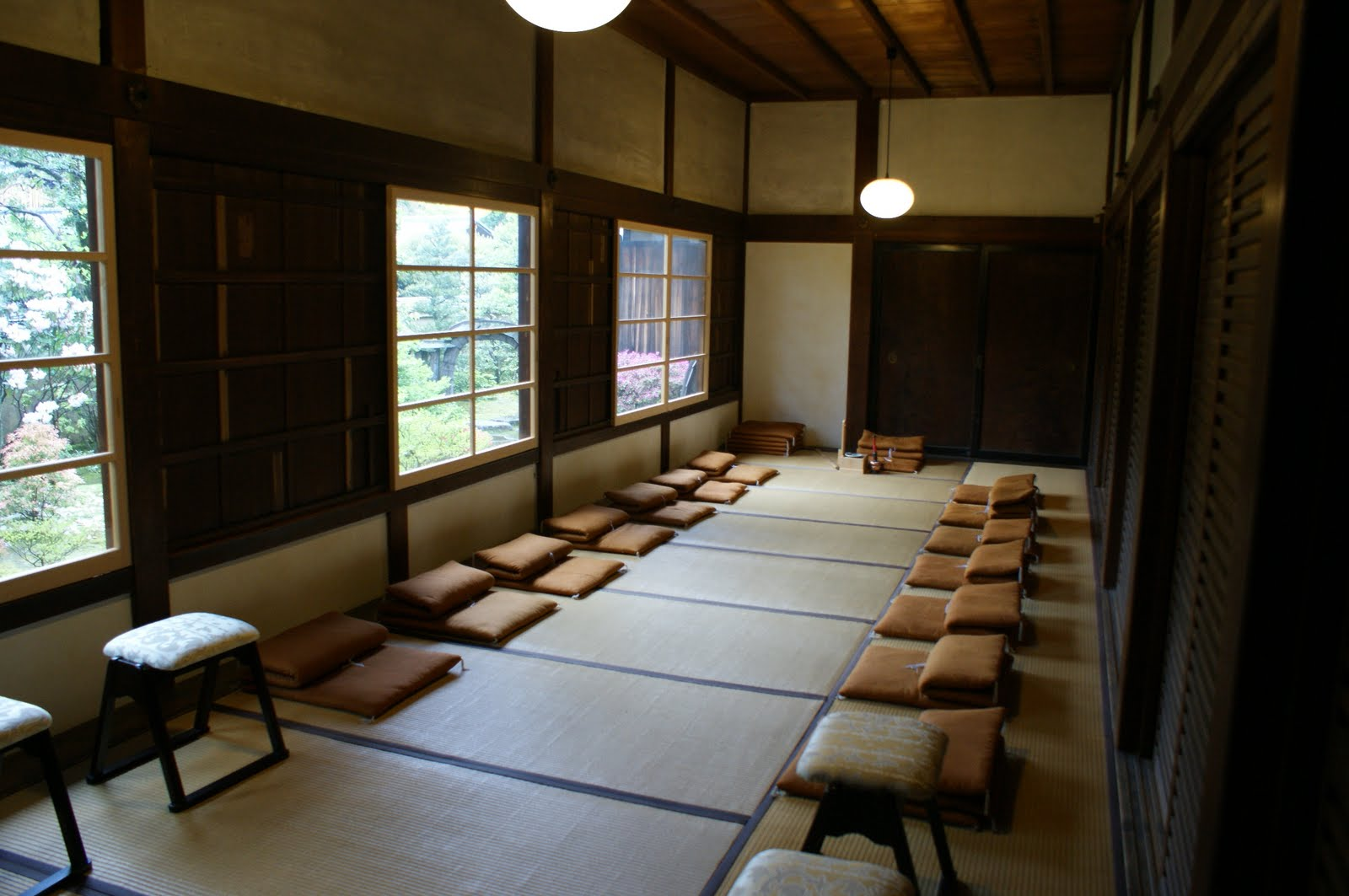 Shunkoin temple today the schedule of april 28th for Zen meditation room