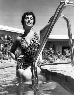 Elizabeth Taylor. . .but slim.