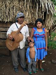 Ramón Santiago y Familia