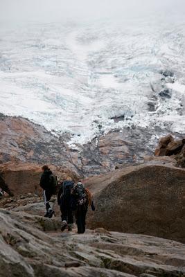 Ungdommer på norges eldste isbre!