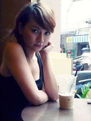 singer Thu Thuy