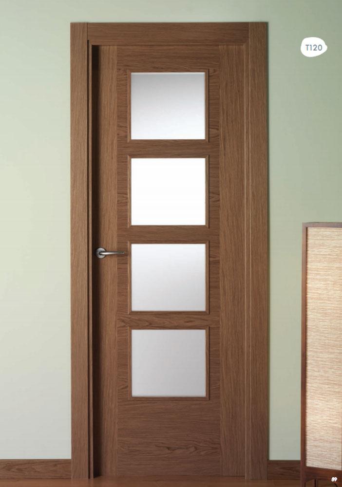 Puerta de interior en nogal mallado t120 visel for Puertas casa interior