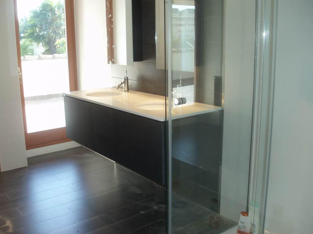 Mueble bajo lavabo lacado en negro  Muebles Cansado (Zaragoza