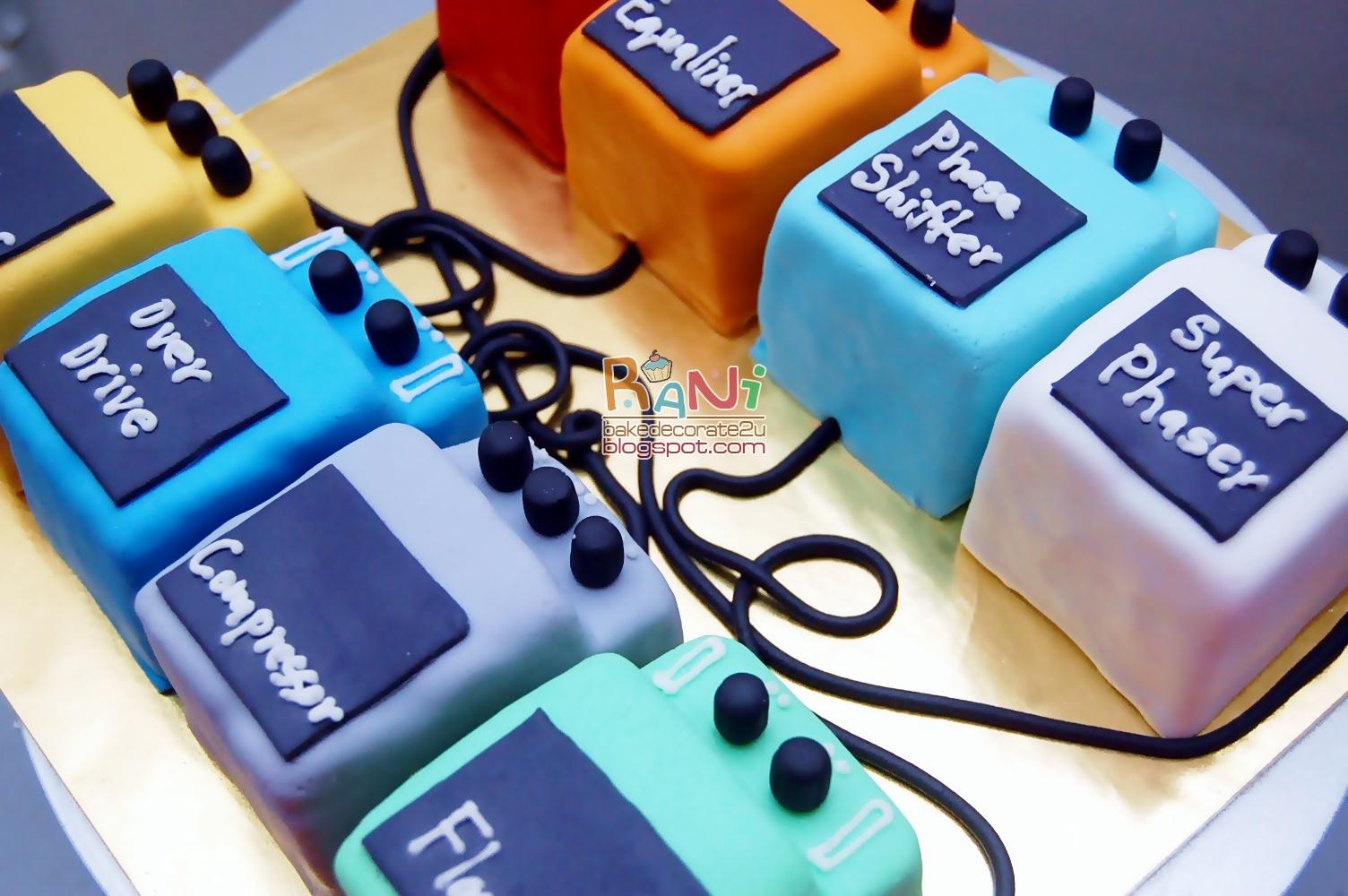 Cake Images With Name Rani : Rani Canglun Delights: .:.fondant hantaran cake.:.