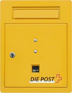 Regulärer Briefkasten mit Post-Logo