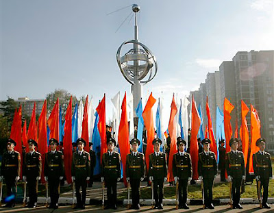 Russian soldiers guarding the newly unveiled monument to Sputnik at Star City, courtesy of Spaceports.