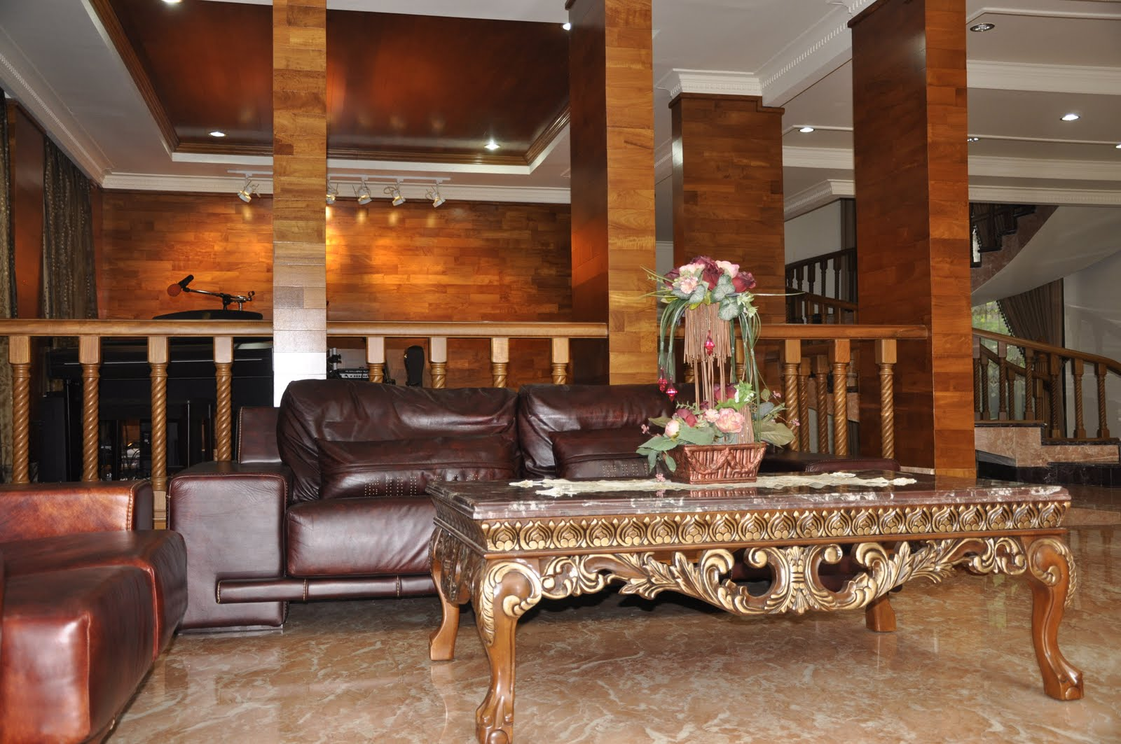 Lantai 1 Ruang Tamu | Pelauts.Com