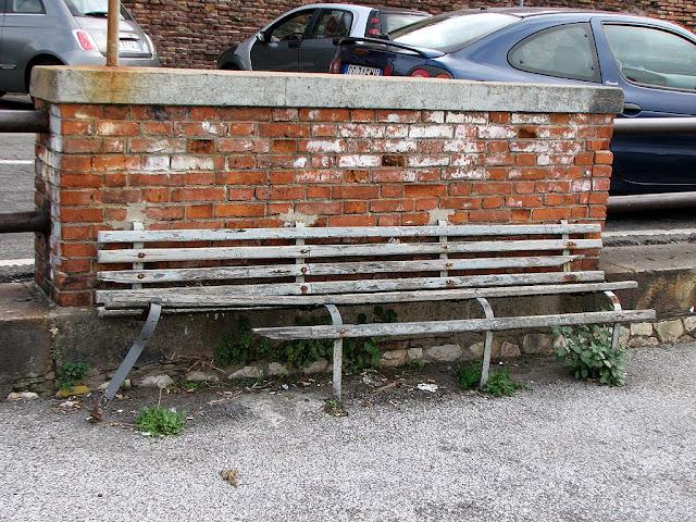 Damaged bench, Porto Mediceo, Livorno