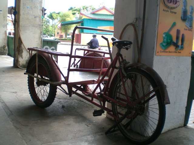 Cargo tricycle in Wayang Street, Kuching