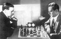 Alexander Alekhine y José Raúl Capablanca en el encuentro por el título de campeón mundial de ajedrez en 1927