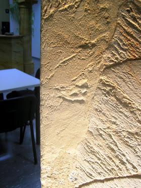 Coin de mur avec du Grès en Rouleau