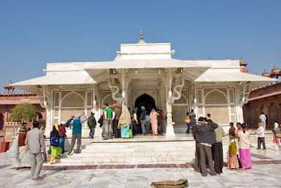 The marble tomb of the saint Salim Chisti at Fatehpur Sikri