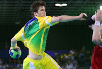 http://3.bp.blogspot.com/_OfkqvQqHznw/TS6f6WhHWdI/AAAAAAAAFnQ/S01KYJZTuvg/s400/Handebol_Brasil_Renato+Tup%25C3%25A3.jpg