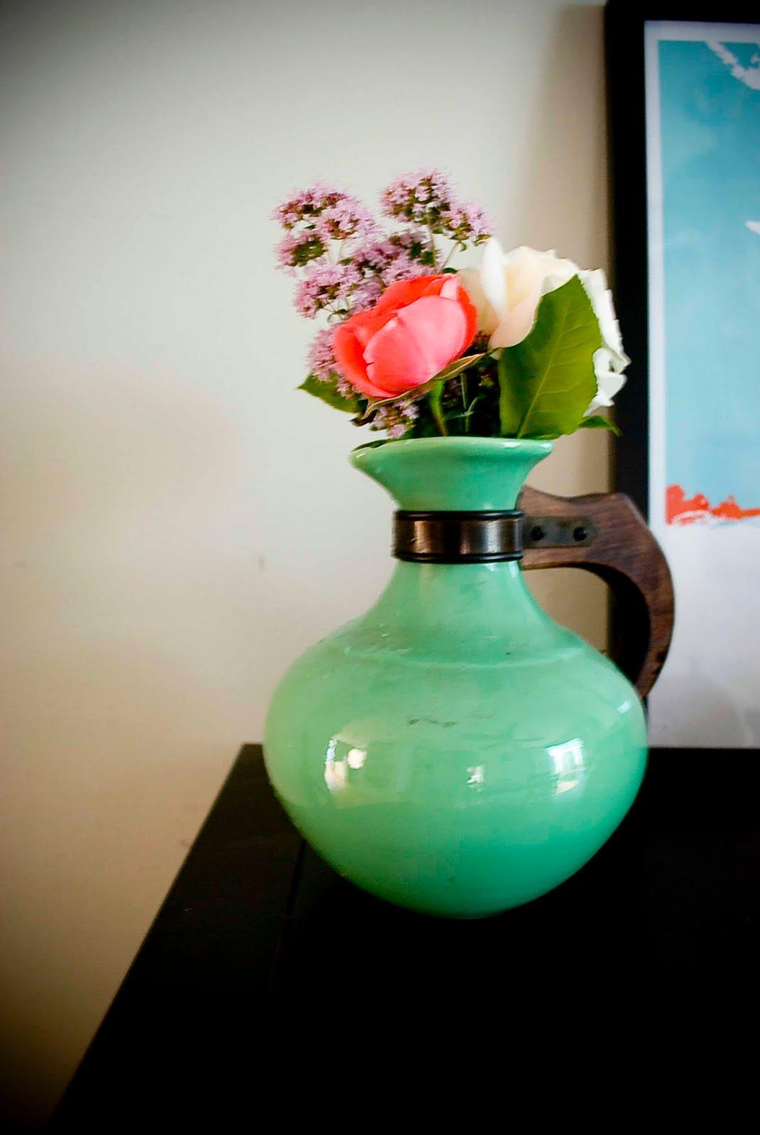 http://3.bp.blogspot.com/_OhIBR7-KiGc/TEDSKfhzGRI/AAAAAAAAARE/64-iT3c7KBI/s1600/Flowers3.jpg