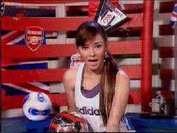 Terry Putri: football crazy