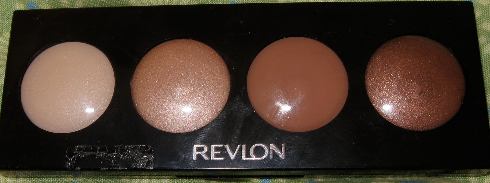 This is a Revlon Illuminance creme shadow in the color Not Just Nudes.