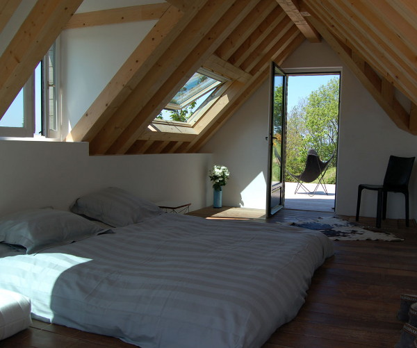Clean And Simple Interior Bedroom Space With Exposed Timber Framework. The  Old And New Again Coming Together.
