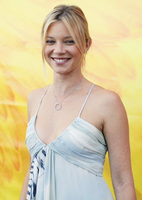 Amy Smart.. real sexy....