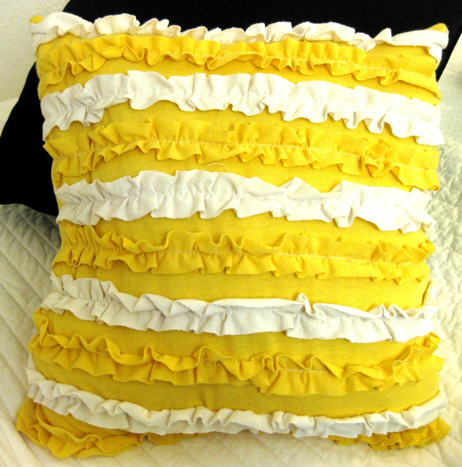 Throw Pillows With Ruffles : All Things Bright and Beautiful: Ruffle Throw Pillow