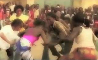 Shakira - Esto es África (Waka Waka) - Video y Letra - Lyrics