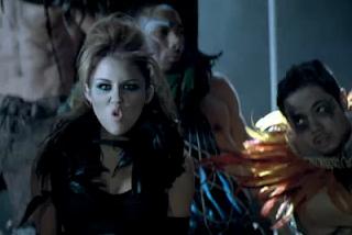 Lyrics - Miley Cyrus - Can't Be Tamed - Video y Letra