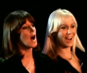 Abba - Dancing Queen - Video y Letra - LYRICS