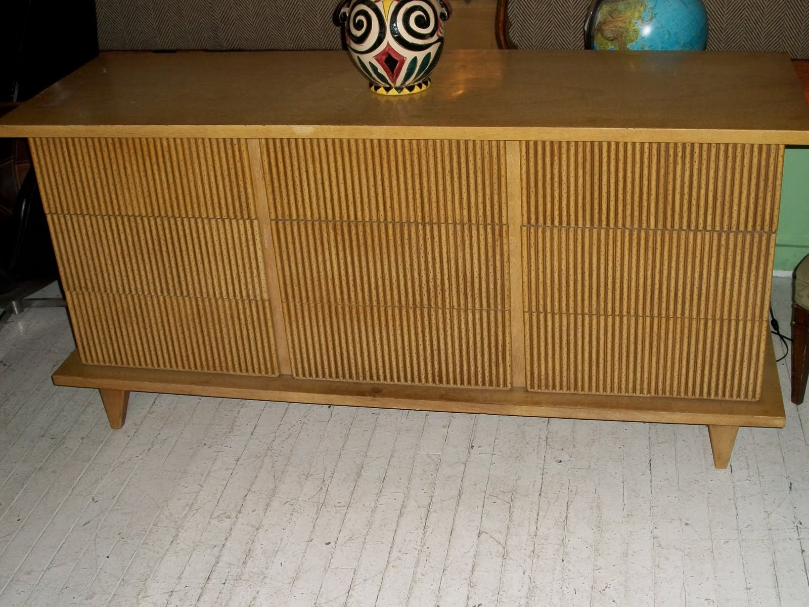American Of Martinsville Bedroom Furniture An Orange Moon 1950s American Of Martinsville Credenza