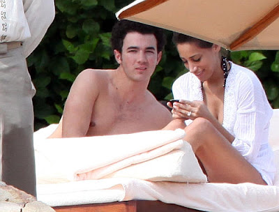 kevin jonas smoking