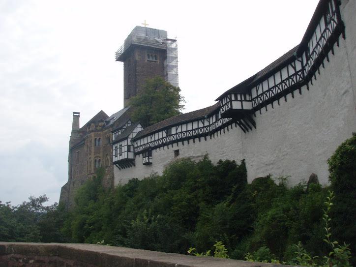 Castelos são CASTELOS, este fica em EISENACH -WARTBURG