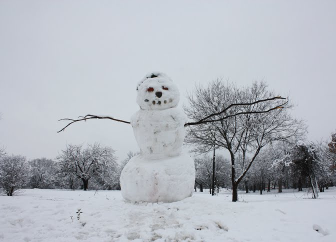 Yes, this snowman IS as big as it looks!