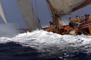 foto di mare e di vela