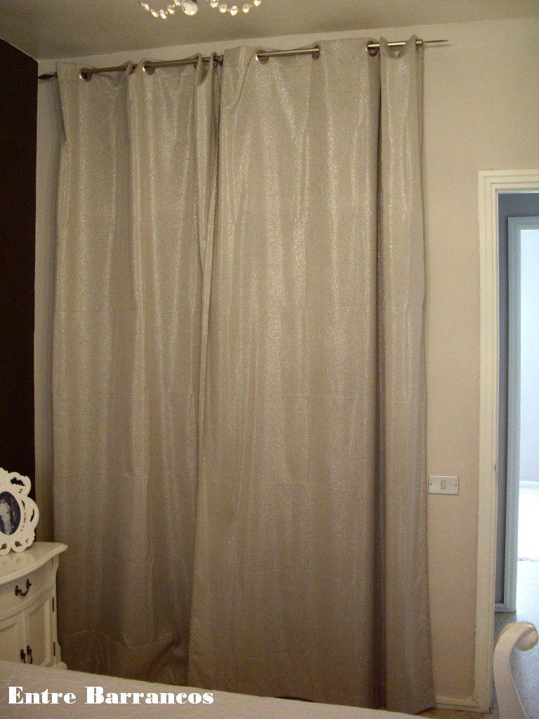 Entre barrancos decoraci n dormitorio y despacho de carola for Cortinas plateadas salon