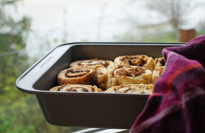 Cinnamon+biscuits+in+pan Cinnamon Sticky Biscuits