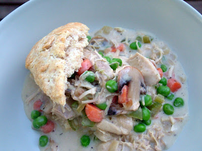 Chicken+%26+Biscuits Day 331: Creamed Chicken (or Turkey) and Biscuits