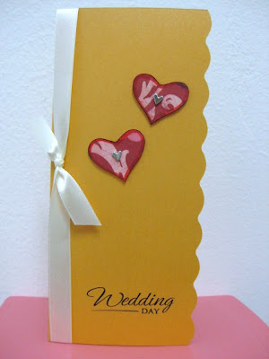 Gold and Red Hearts Wedding Congratulatory Card