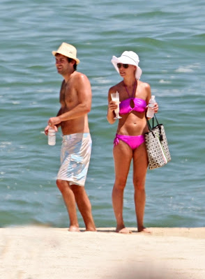 Katherine+Heigl+Candid+Bikini+Pictures+from+her+Mexican+Vacation+blogywoodbabes.blogspot.com+katherine heigl bikini 1 08 Katherine Heigl Candid Bikini Pictures from her Mexican Vacation with Cameltoe