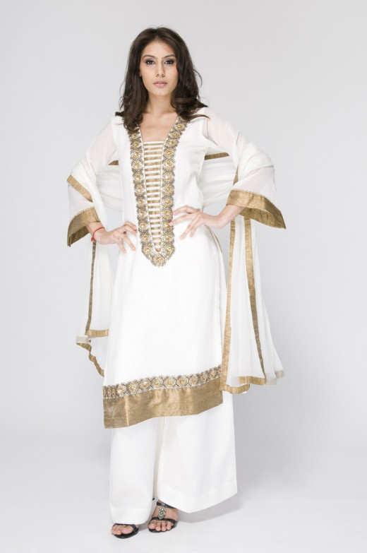 Long+Kameez+With+Trouser+For+2011+%252810%2529 New Fashion Trend