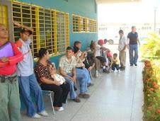 Personas con discapacidad a la espera de su certificado