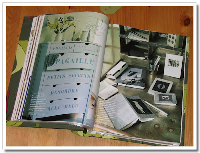 Textat på byrå och böcker