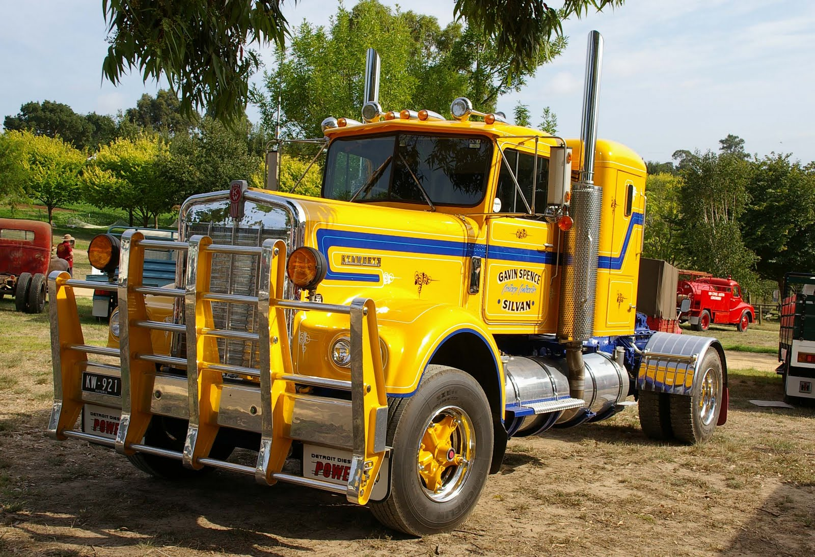 1957 Kenworth Trucks for Sale http://historictrucks.blogspot.com/2010/04/trucks-in-action-2010-part-2.html