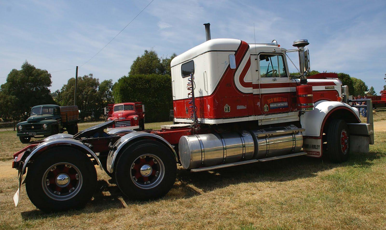 Historic Trucks: Trucks in Action 2010 - Part 2