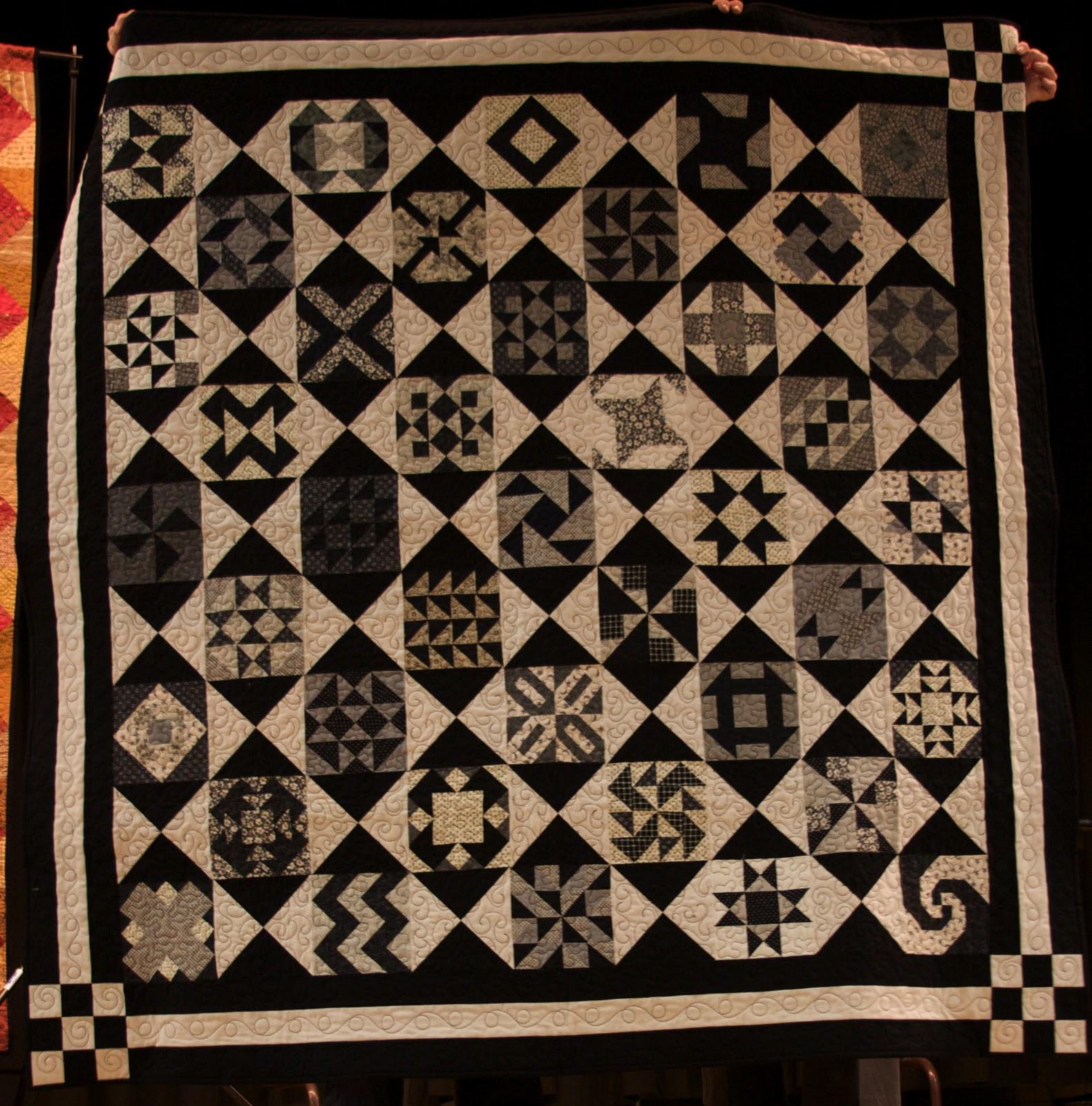 Utah Valley Quilt Guild: September 2010 : black and white quilt kits - Adamdwight.com