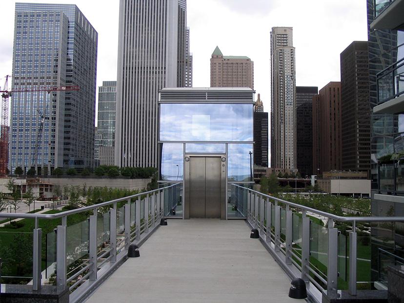 Chicago Streetscene: Infinity Walkway