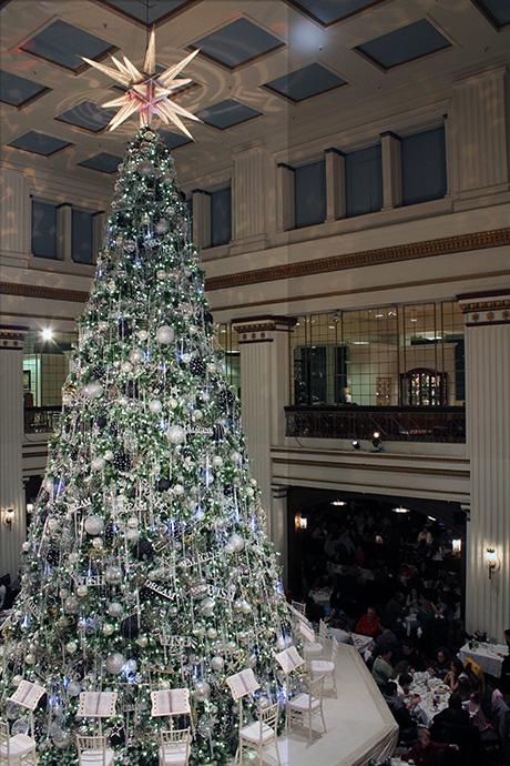 Walnut Room Tree, Macy's (Marshall Fields), Chicago, Christmas, 2010