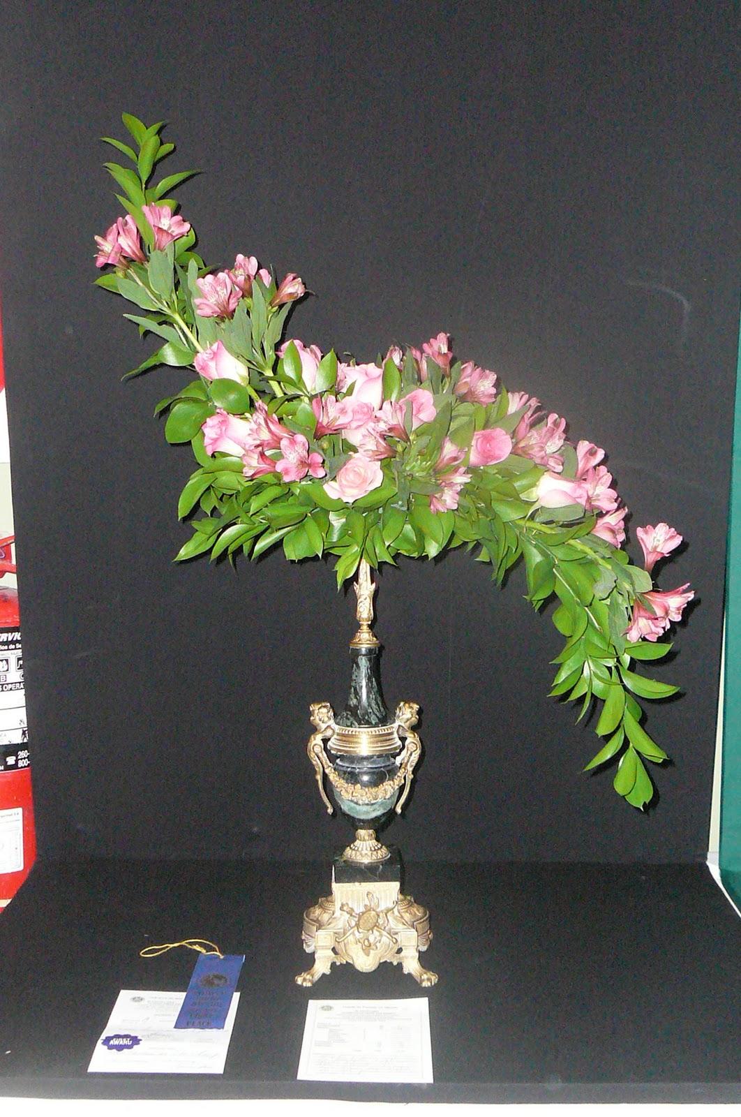 Arreglos florales creativos arreglo tradicional - Arreglos florales creativos ...