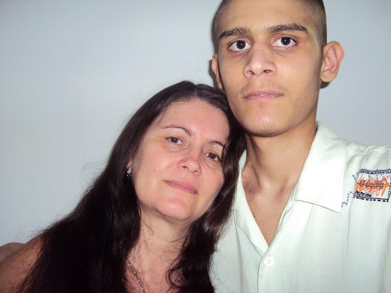 Ele e a mãe