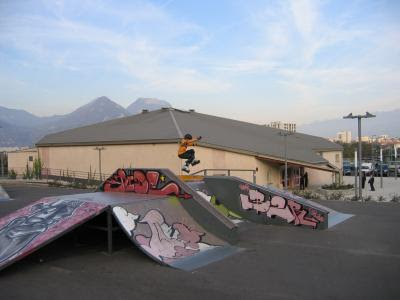 les spotes de skate dans le look ofskateur skate-park-perros-guirec-skatepark-photo-spot-996-0