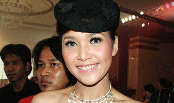 Maia Estianty tak mau lagi mengingat kejadian pahit akibat bercerai